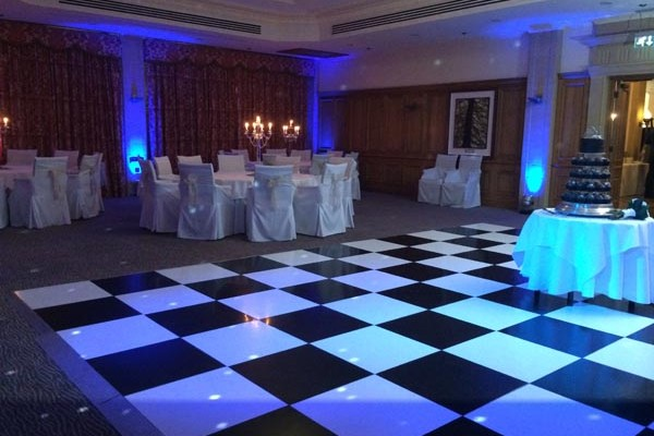 SouthLodgeUplighting4-600x400